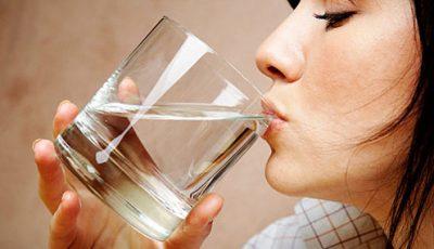 voda, čaša