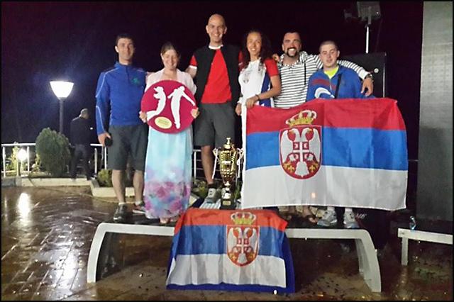 glajder-s-leva-Dejan-Valek,-Milica-Marinkovic,-Goran-Djurkovic,-Tamara-Kostic,-Dragan-Popov,-Ivan-Pavlov