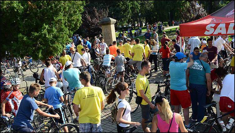Učesnici-biciklijade-održane-03.07.2015