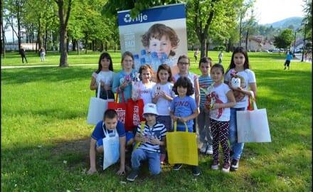 Učenici-OŠ-Stevan-Čolović-na-izložbi