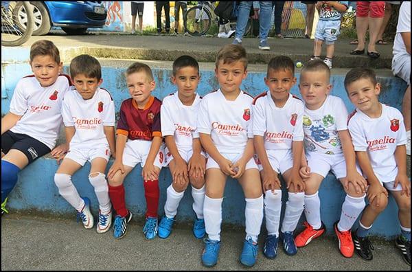 trojka-petlići FK Ares