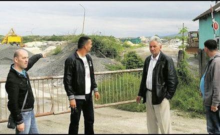 mestani-naselja-sveti-sava-ispred-gradske-deponije-foto-v