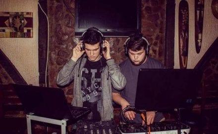 Jovan Stojanovic (DJ Cipi JR) i Filip Markovic (DJ Cofi)