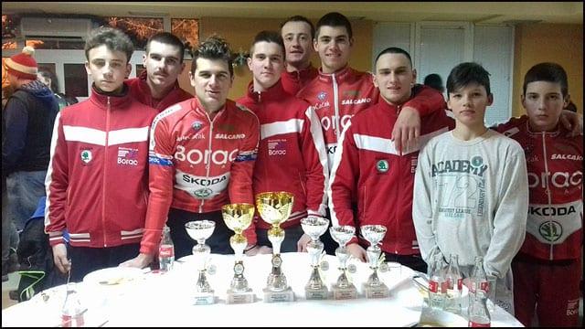Ekipa-sa-trofejima-sa-Kupa-Srbije-iz-2017.god