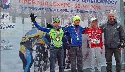 Matija-Pekovic,-poletarc-na-pobednickom-postolju-1