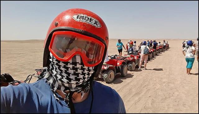 egipat-selfi-pred-pustinjsku-vožnju