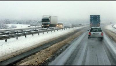 sneg-na-auto-putu